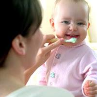 Dicas para higiene bucal de bebês e crianças
