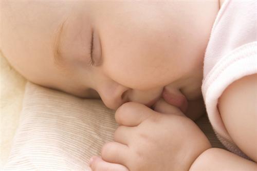 Como fazer o bebê dormir de dia