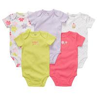 Os básicos que não podem faltar: roupas e acessórios para bebês de 12 a 18 meses
