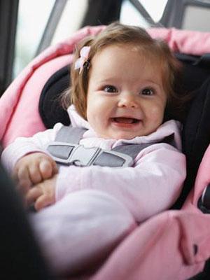 Dicas para acalmar o choro do bebê no carro