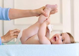 Um breve relato do que é trocar a fralda de um bebê