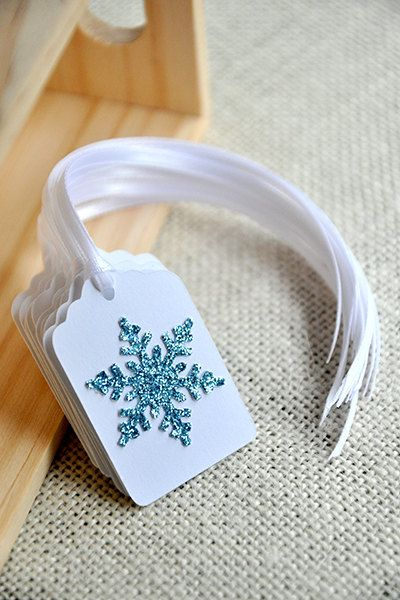 Fonte: https://www.etsy.com/listing/185350078/frozen-birthday-party-decoration-party?ref=sr_gallery_44&ga_search_query=frozen+birthday&ga_ship_to=US&ga_ref=auto5&ga_page=2&ga_search_type=all&ga_view_type=gallery