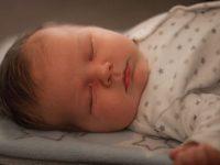 bebes-dormir-com-pais-ate-1-ano