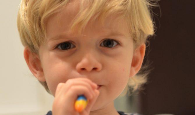 crianca-no-dentista