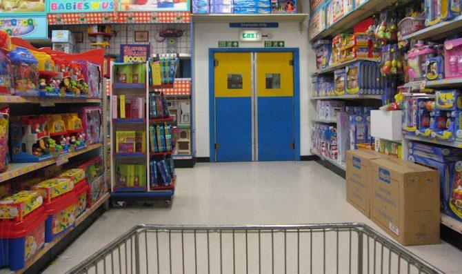 Saiba identificar se o seu filho está se tornando um pequeno consumista (e veja como evitar isso)