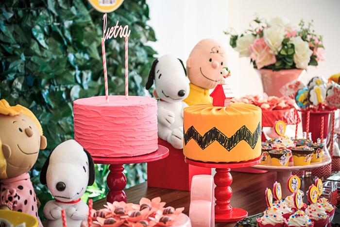 Decoração da festa de um aninho da Pietra, com o tema Snoopy, feita com o maior carinho pela Up Arts Ateliê de Festas! Registrado dia 26.06.2016, por éricavighifoto!