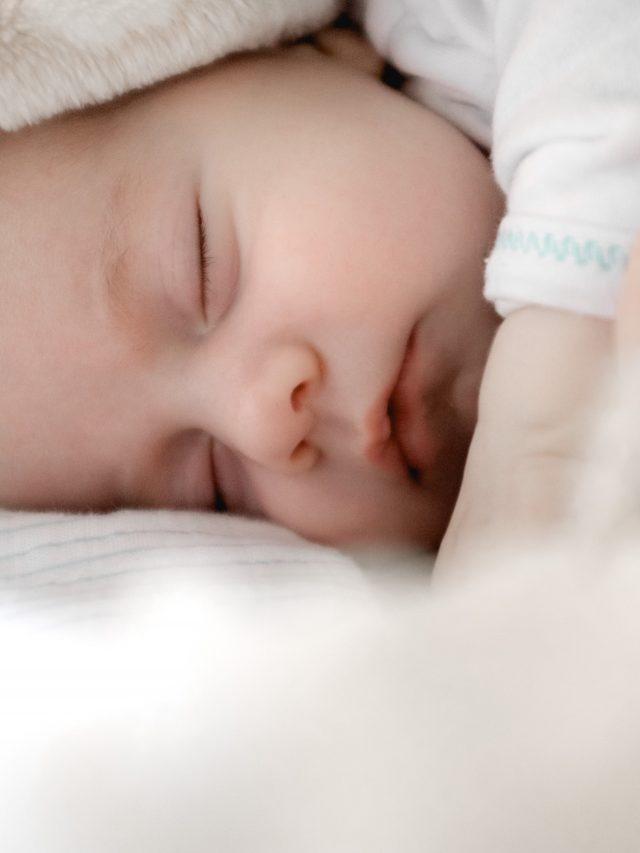 Por que o bebê não deve dormir tarde